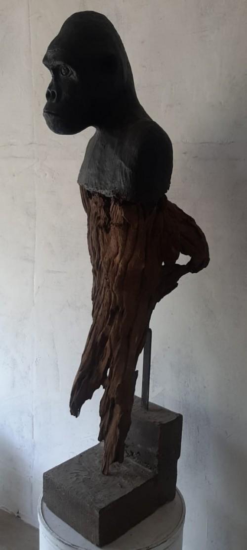 Sculpture of gorilla
