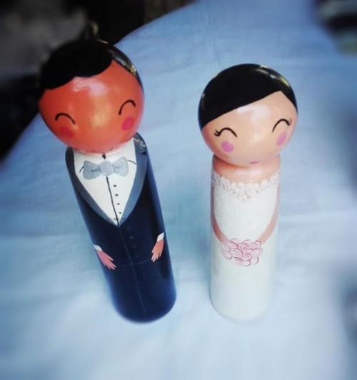 Wooden dolls.Bride & Groom.01